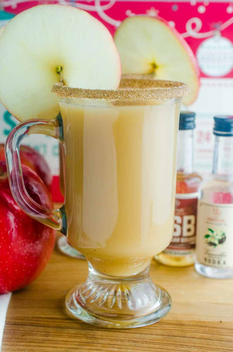 Apple Pie Cocktail is perfect for fall. With hot apple cider, vanilla vodka and brown sugar bourbon, it's just the drink you need to warm up with this holiday season.