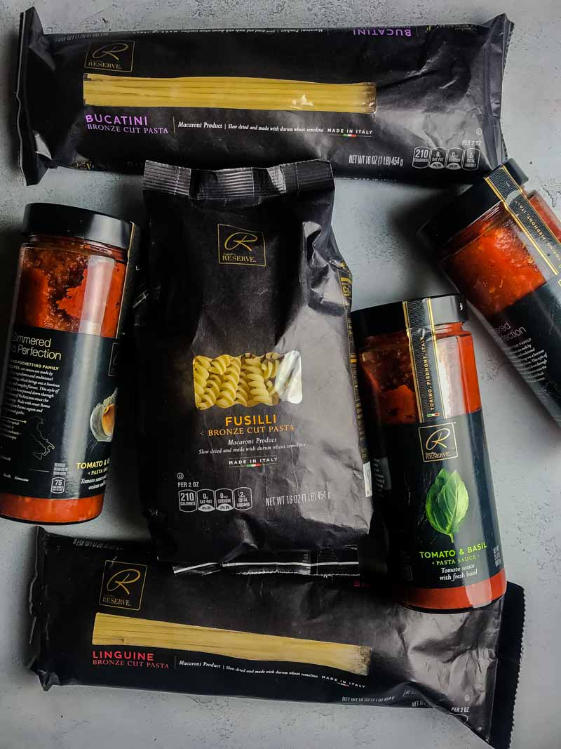 #ad Building a holiday gift basket with Signature RESERVE #SignatureRESERVE