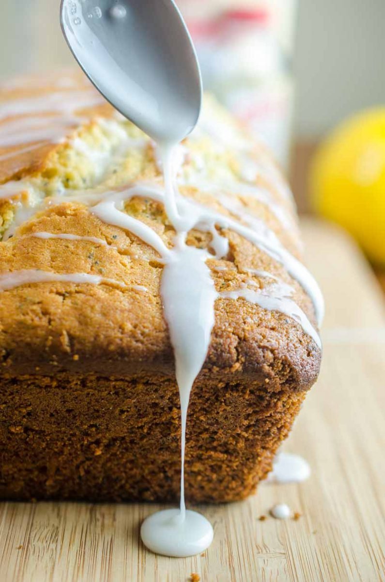 This Lemon Poppy Seed Bread is the perfect spring time dessert. It works well for brunches, breakfasts on the go and your afternoon coffee break!