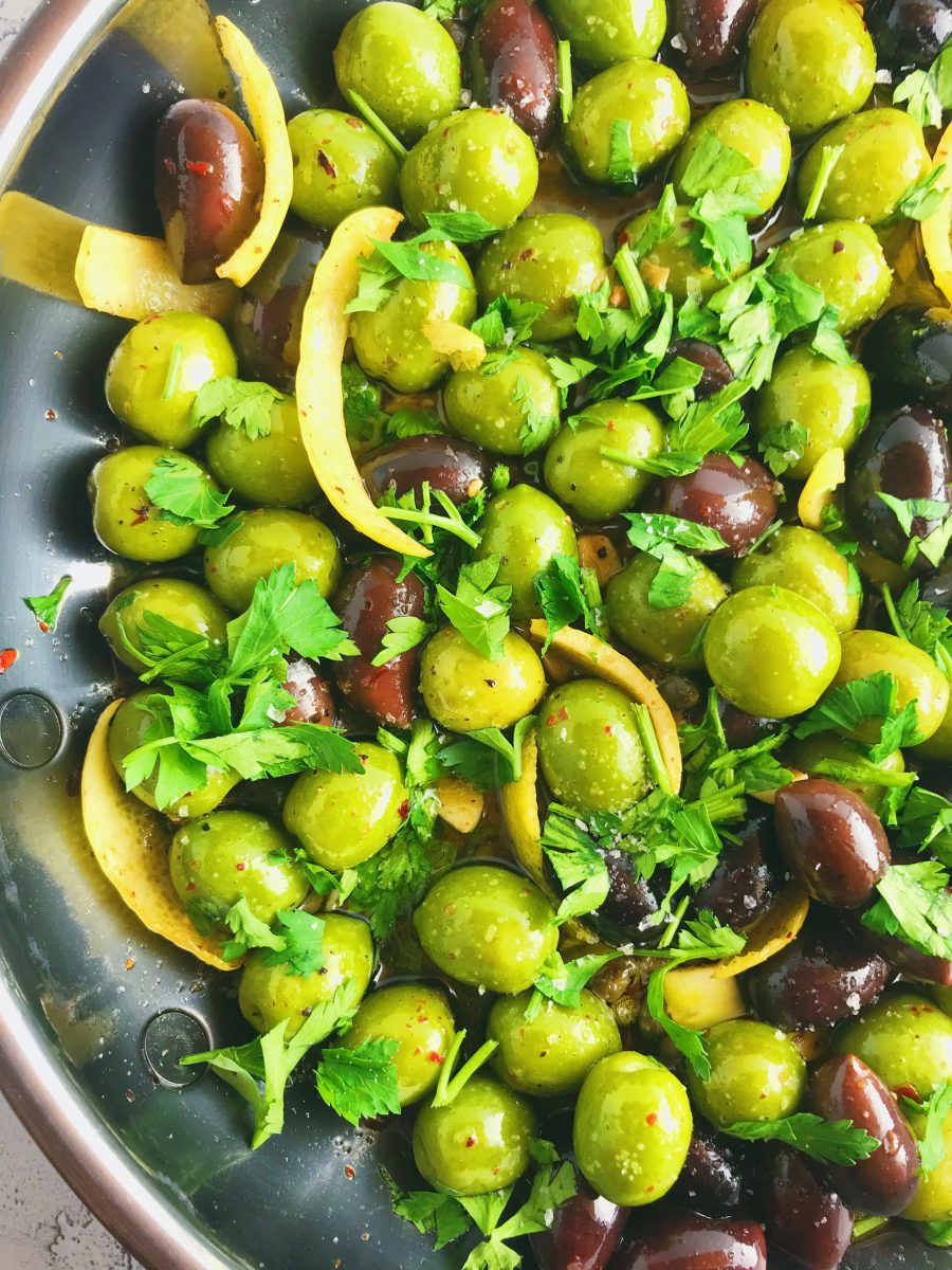 How to make marinated olives for snacking