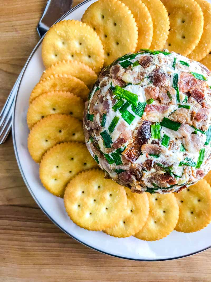 Easy Cheese Ball Recipe with Bacon